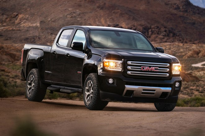 2017-GMC-Canyon-All-Terrain-X-front-three-quarter-crop