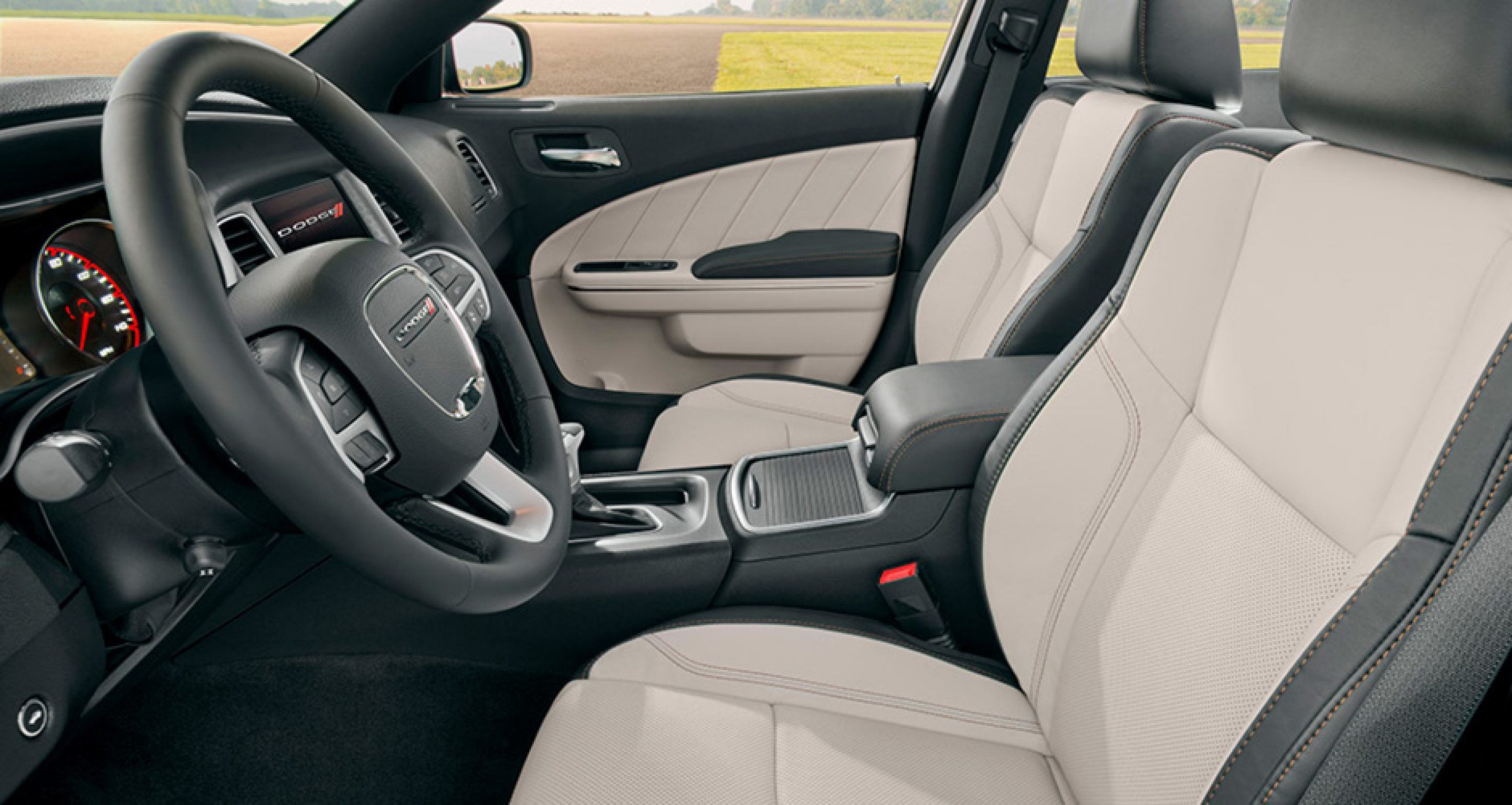 2018-charger-gallery-interior3.jpg.image.2880